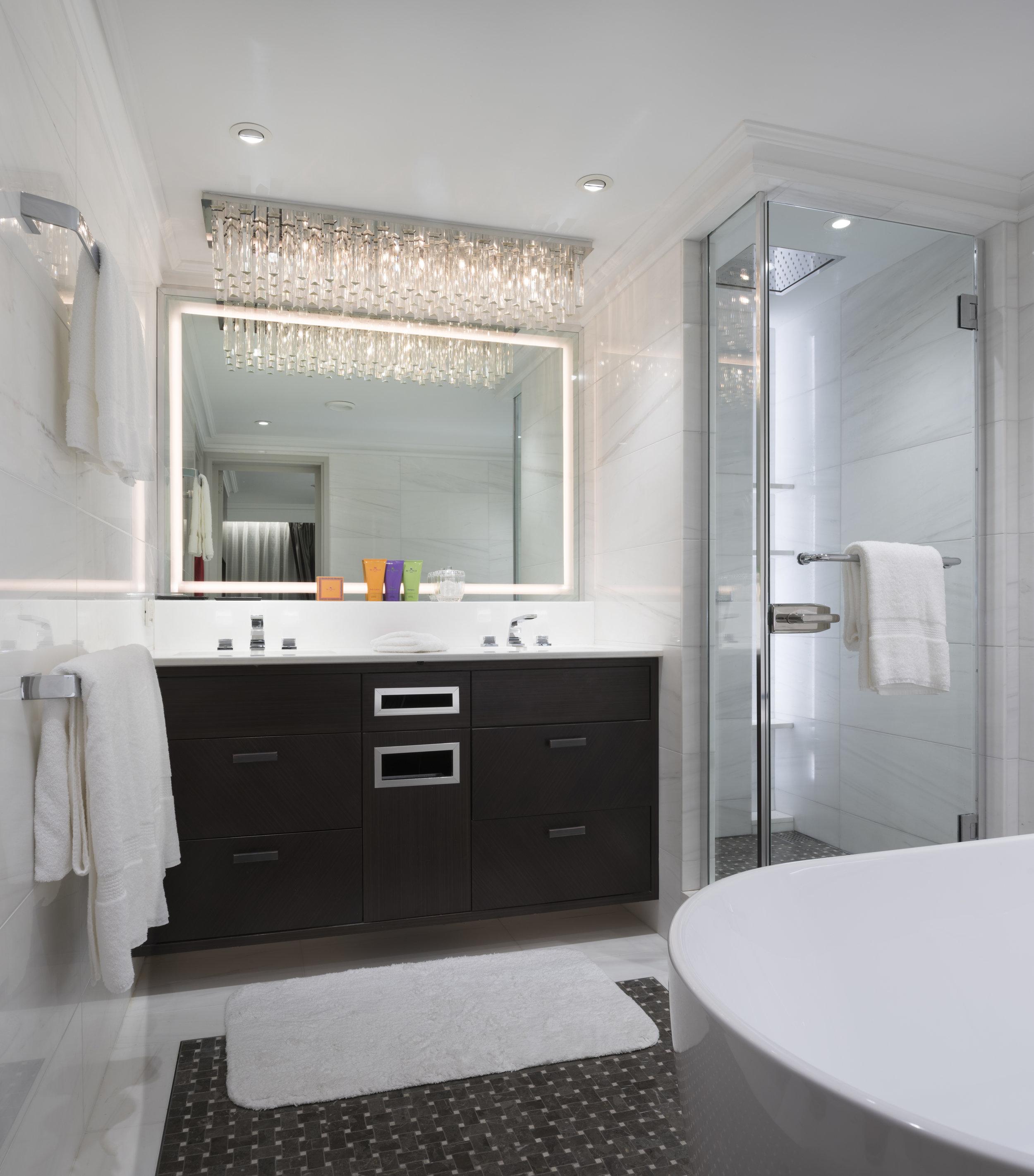 Esprit_OwnerSuite_Bathroom.jpg