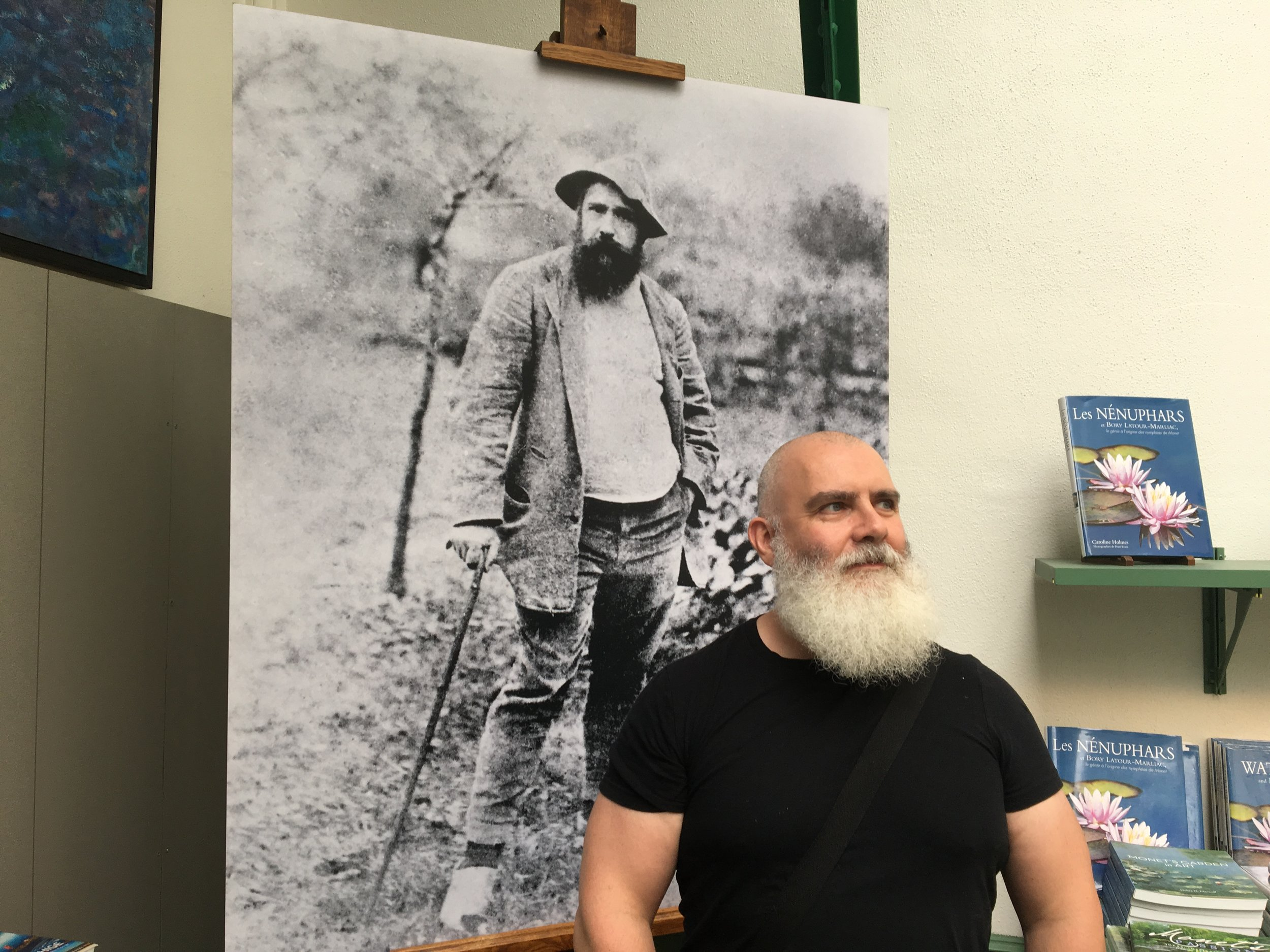 Actually, Chico looks more like the older Monet, but, still...you get the idea.