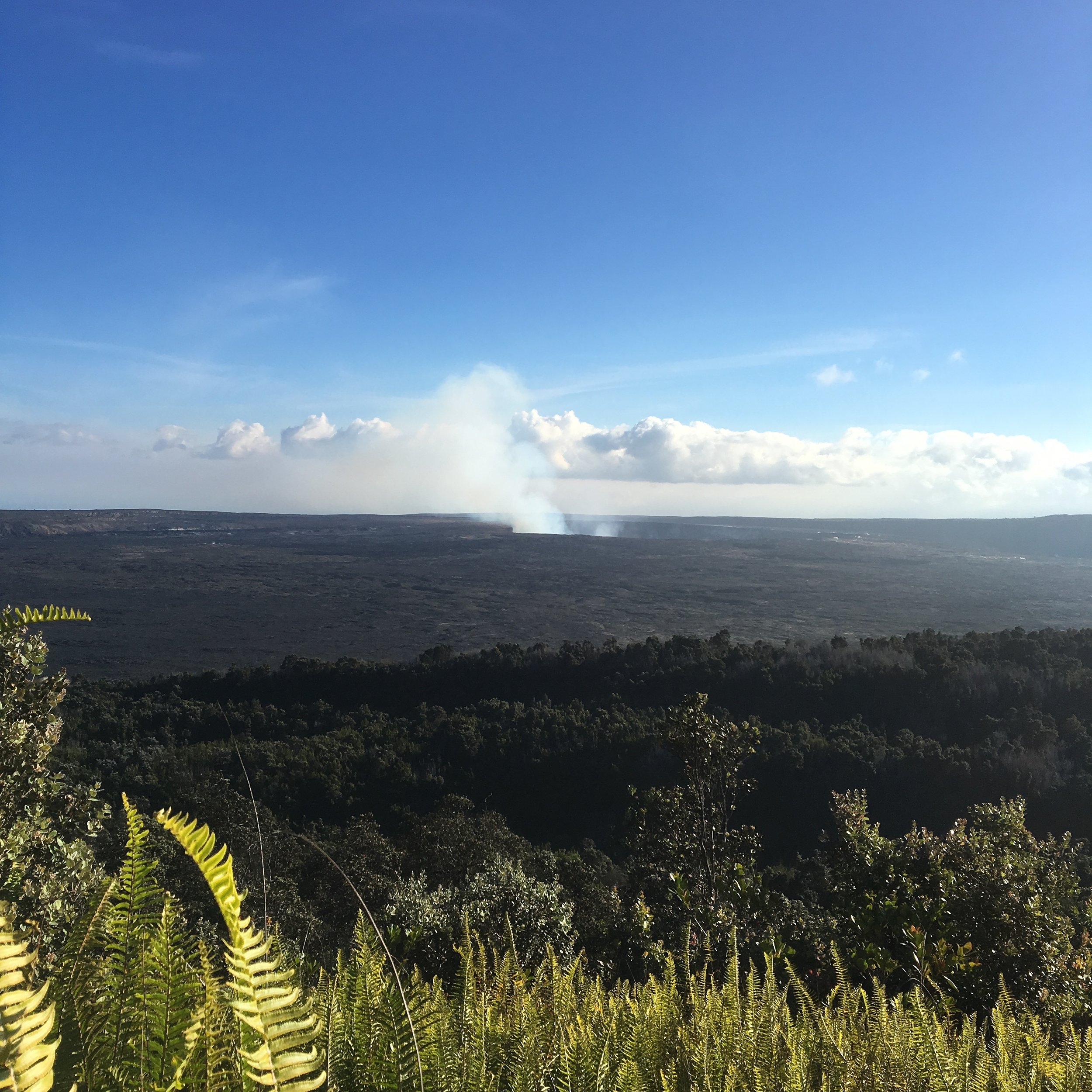 Even before the eruptions, it was possible to see the steam coming from the caldera from far away.