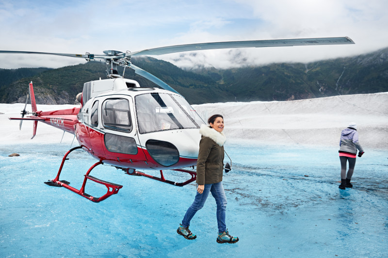 RU_2016_0904_PN_Mendenhall_Glacier_Frozen_Ice_Couple_Helicopter_6463_CvD_RGB.jpg