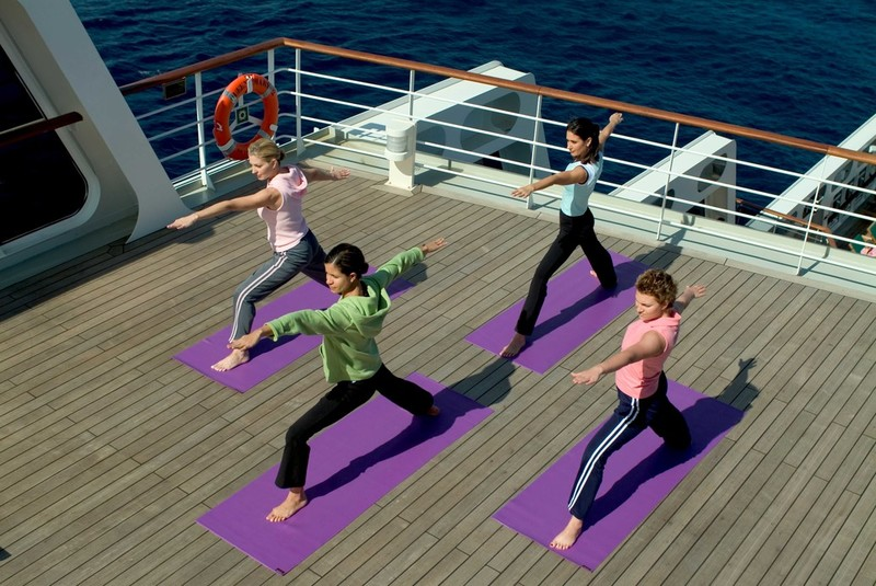 RF13380 - Yoga on deck 7837 -- QM2 Yoga.jpg