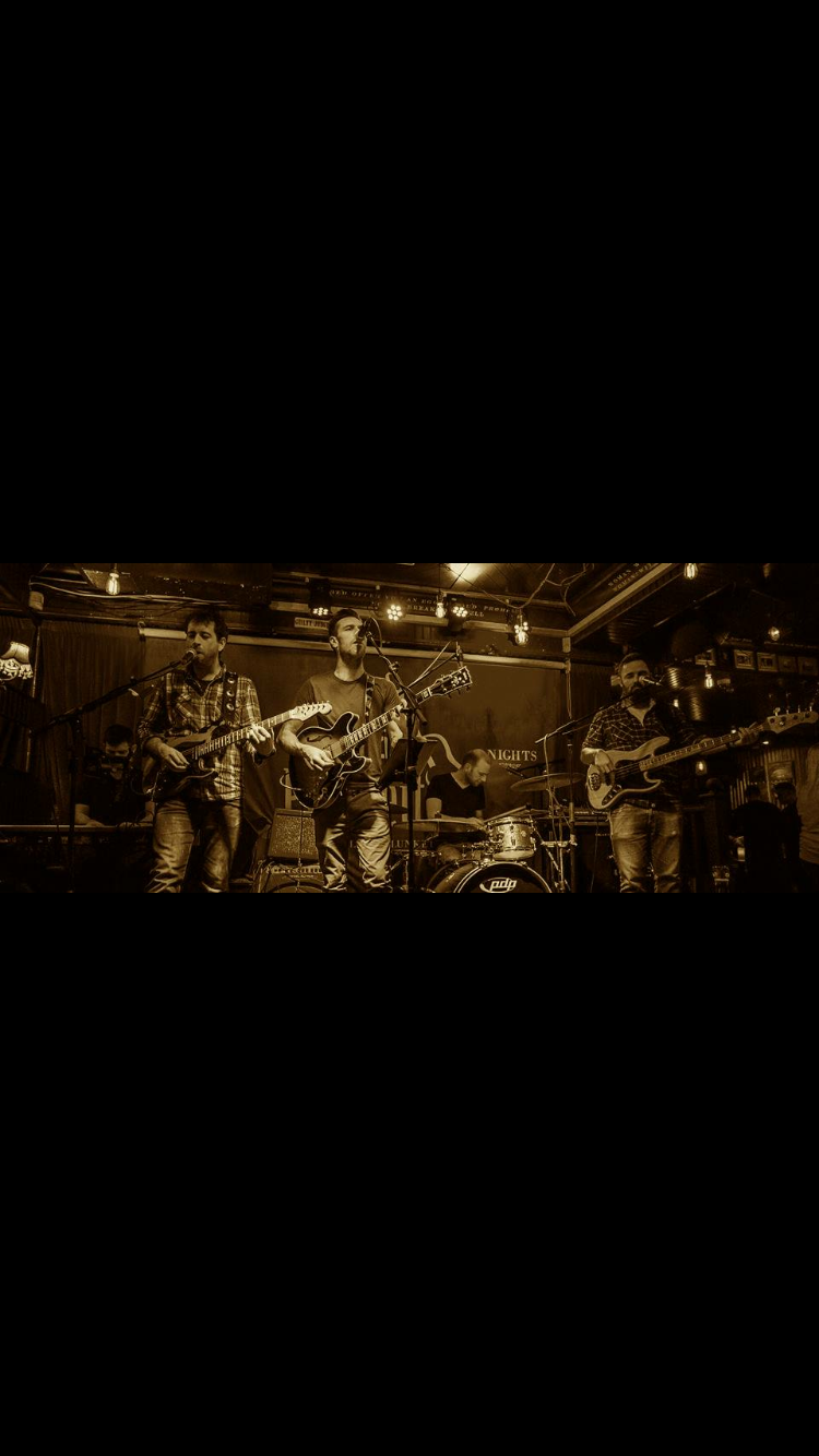 King KGreat Local Band @ 10pm -
