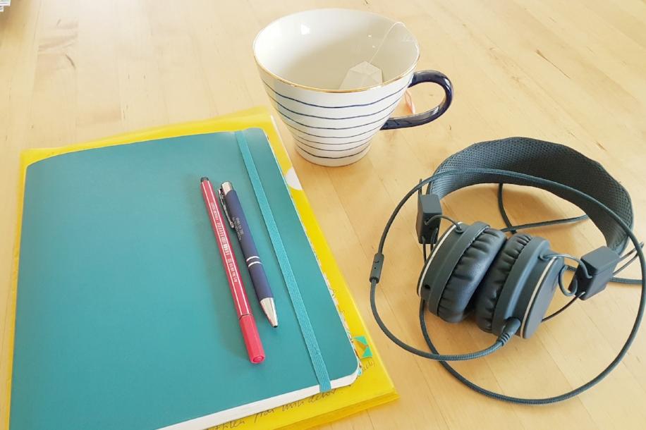 skrivbok och tekopp.jpg