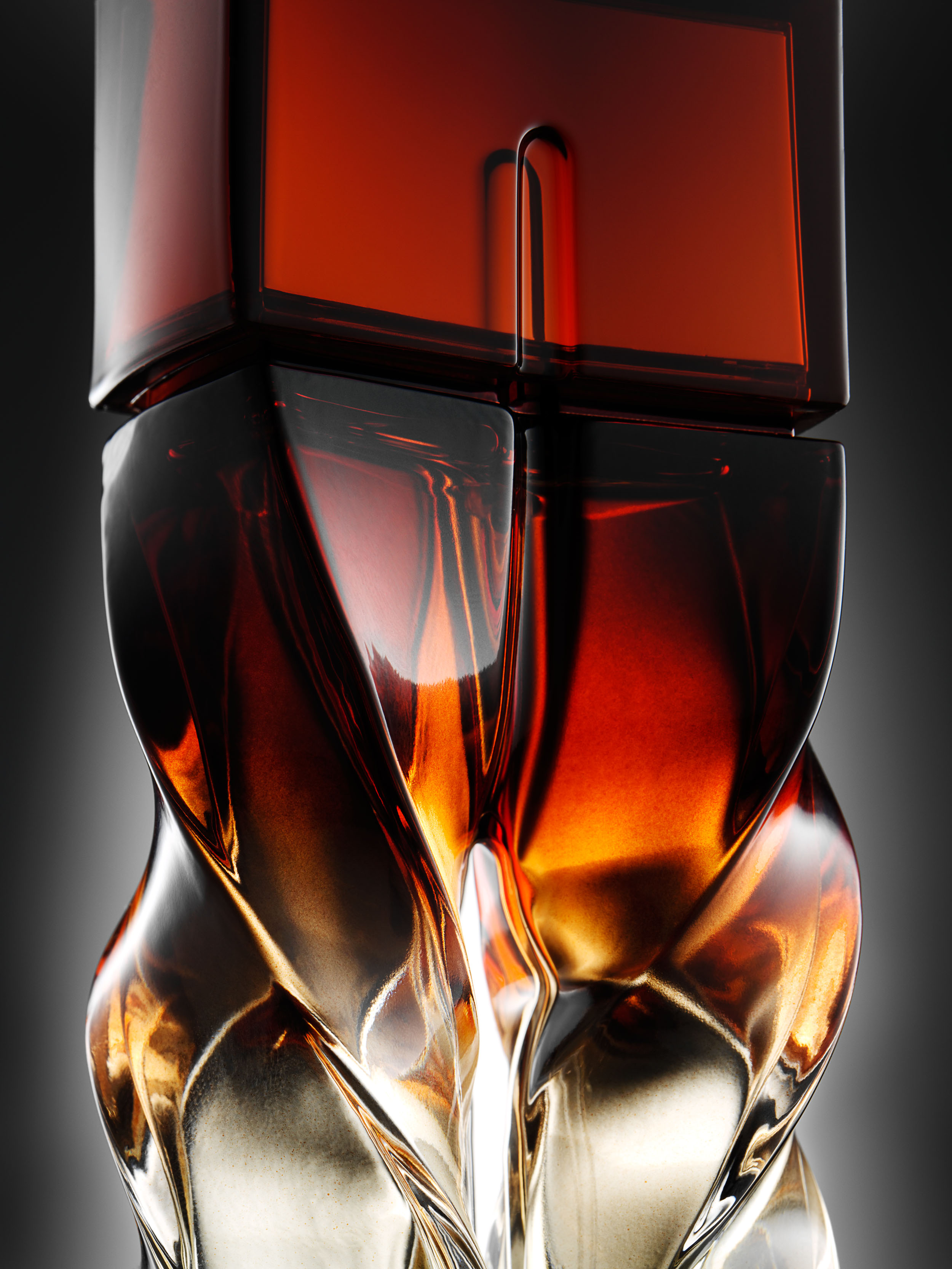 +++louboutin_fragrance_single_108.jpg
