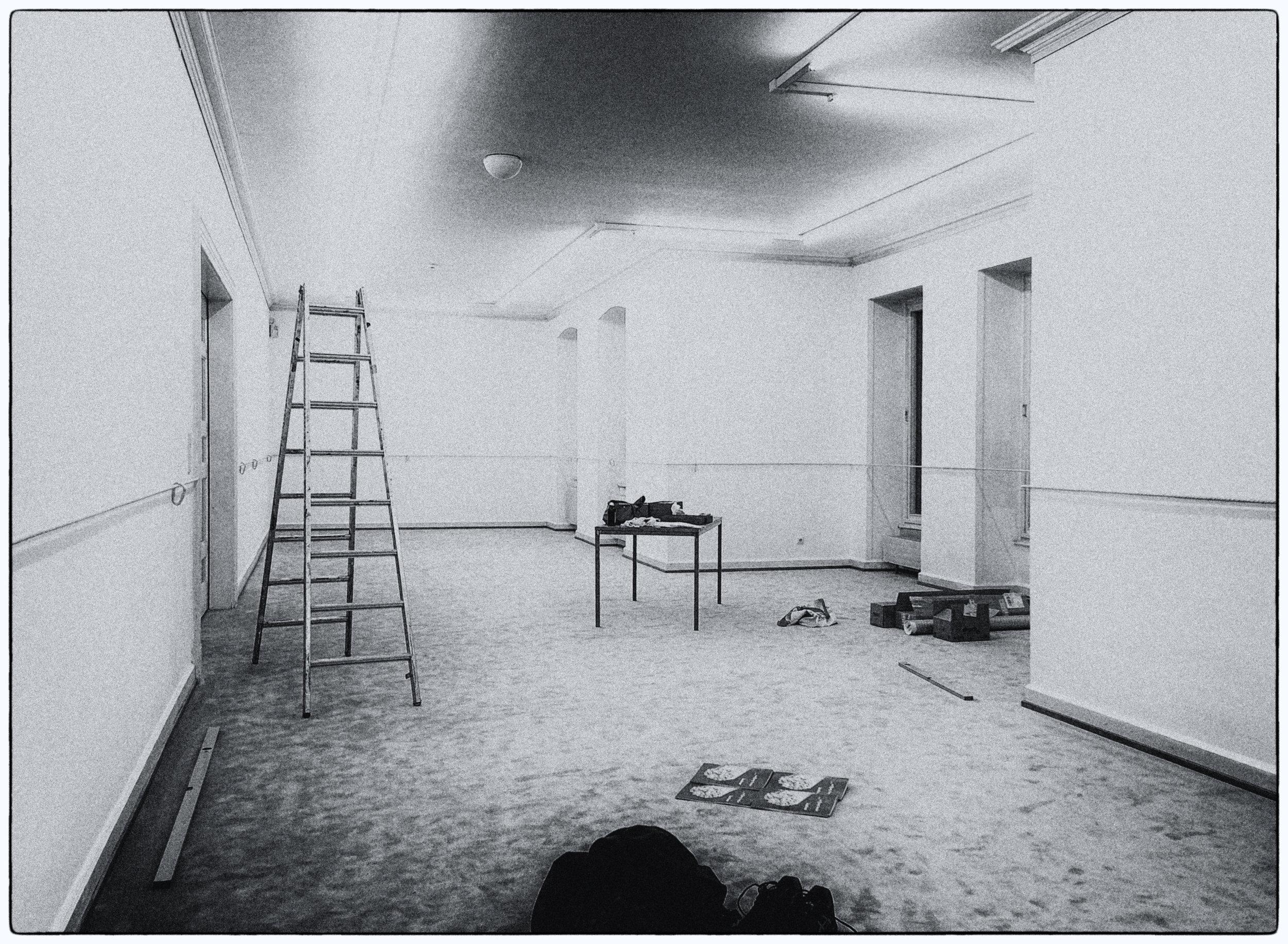 During installation of KARABINER at Künstlerhaus Bregenz