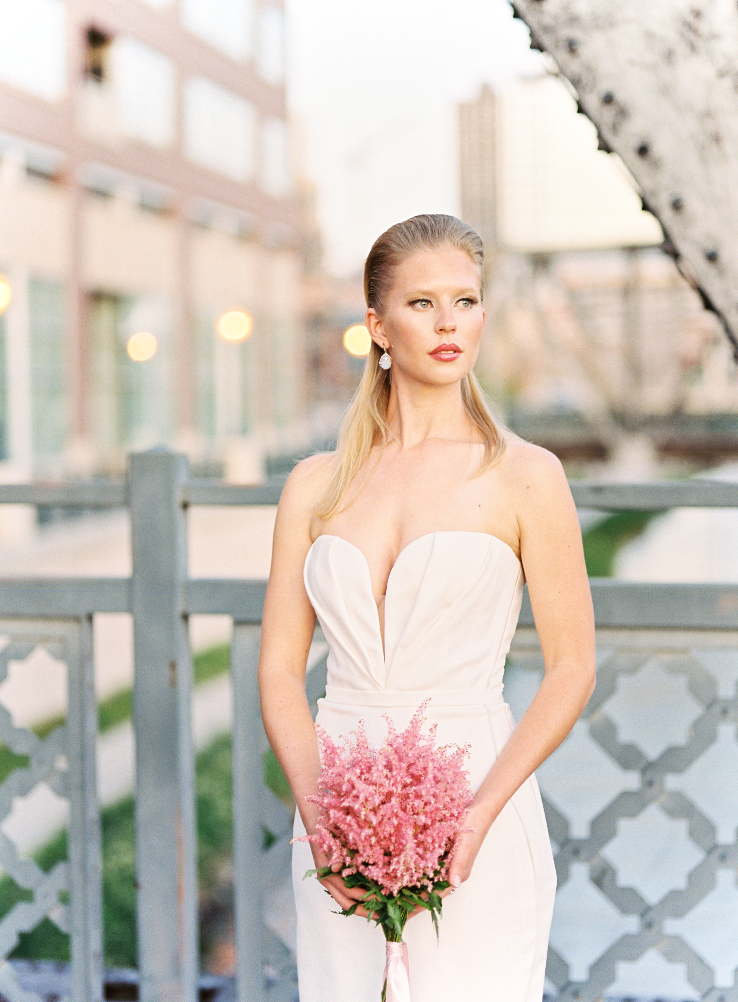 11-Laura-Murray-Photography-Annaleigh-and-Joe-wedding3.jpg