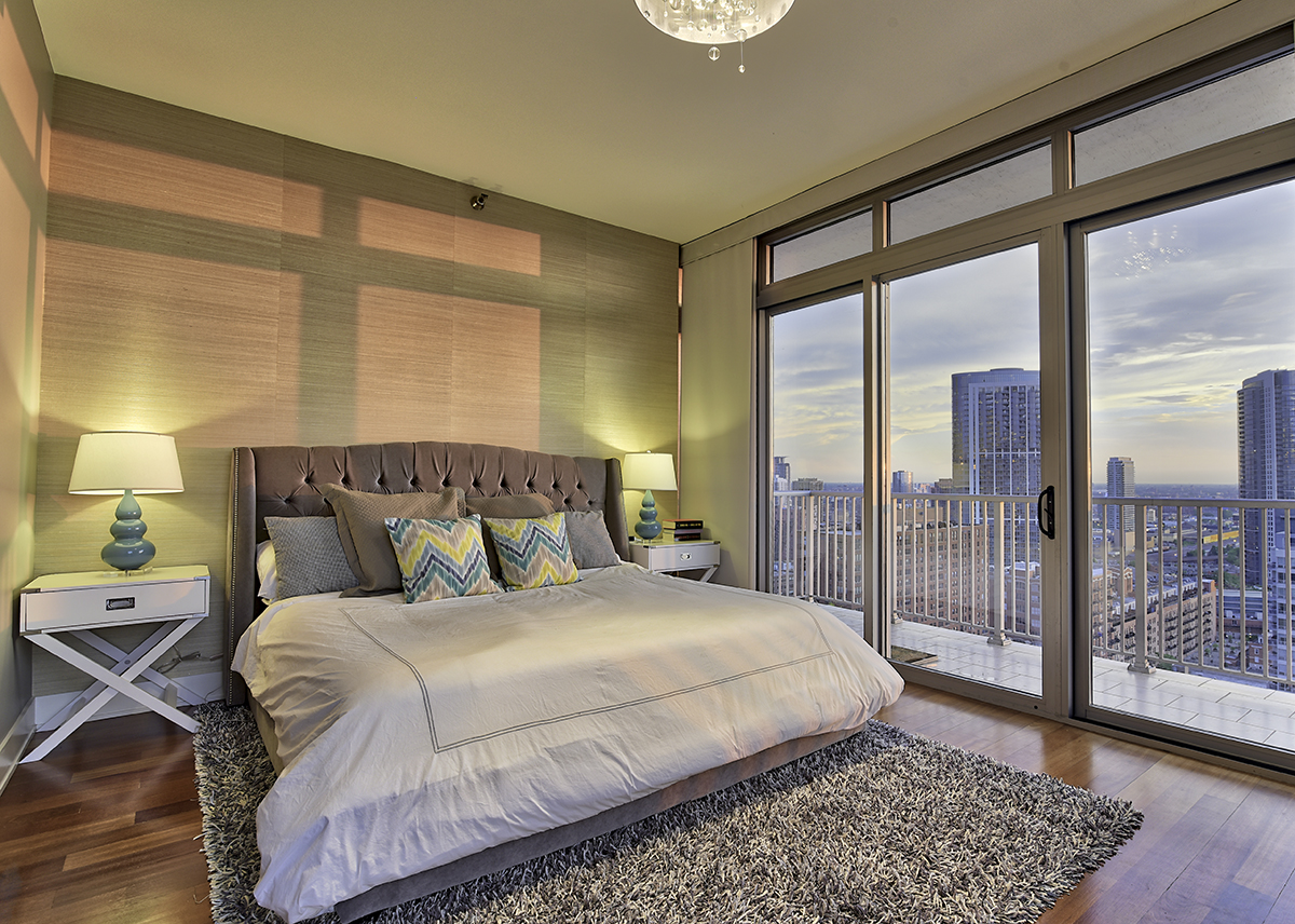 Beautiful Loop condo with magnificent views