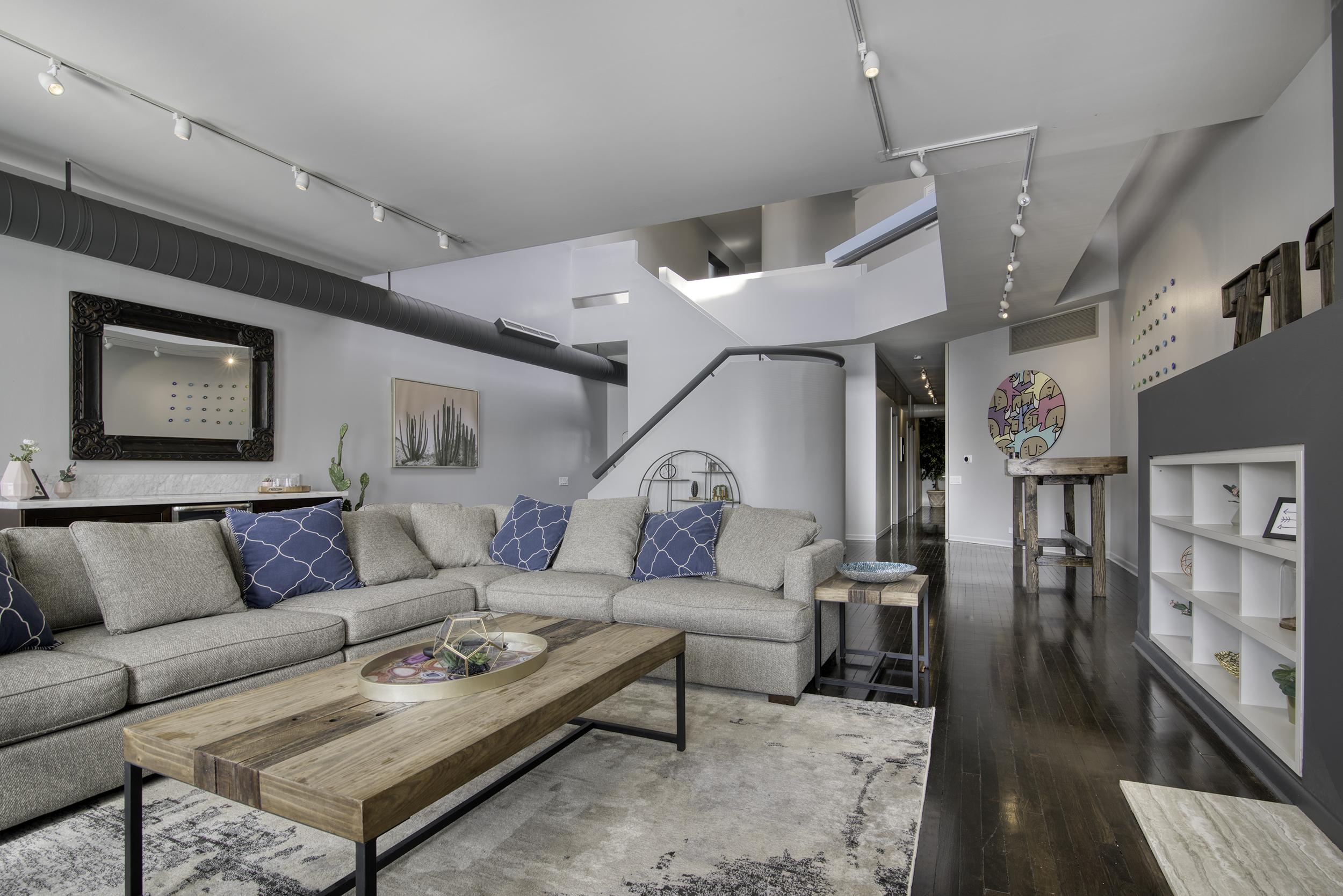 Living Room2-2.jpg