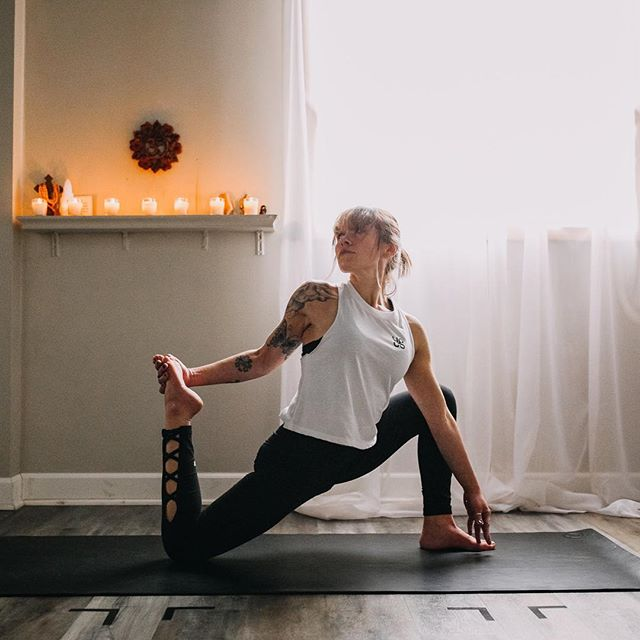 Have you met Kara?!? She's a fiery soul who is so passionate about yoga, energy, her family and photography! You should not only come to her class at 8:15pm tonight in Canton (Strong Basics) but also check out her photography page @kmf_photography_  because she's uber talented. #team #love #yoga #yogastrong