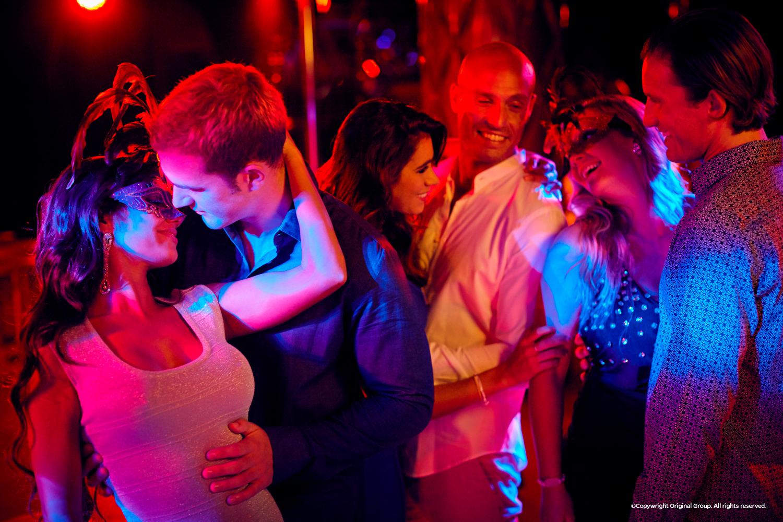 desire-pearl-obssession-disco-dancing.jpg