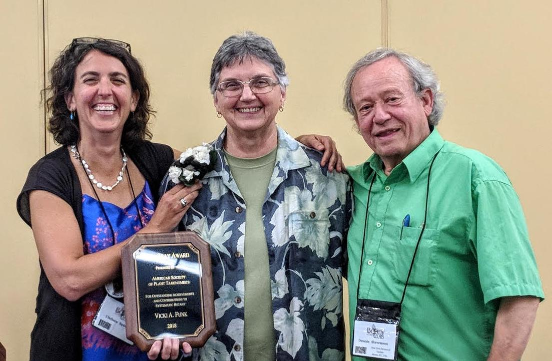 Vicki Funk, 2018 Asa Gray Awardee with ASPT President Chelsea Specht (left) and Dennis Stevenson