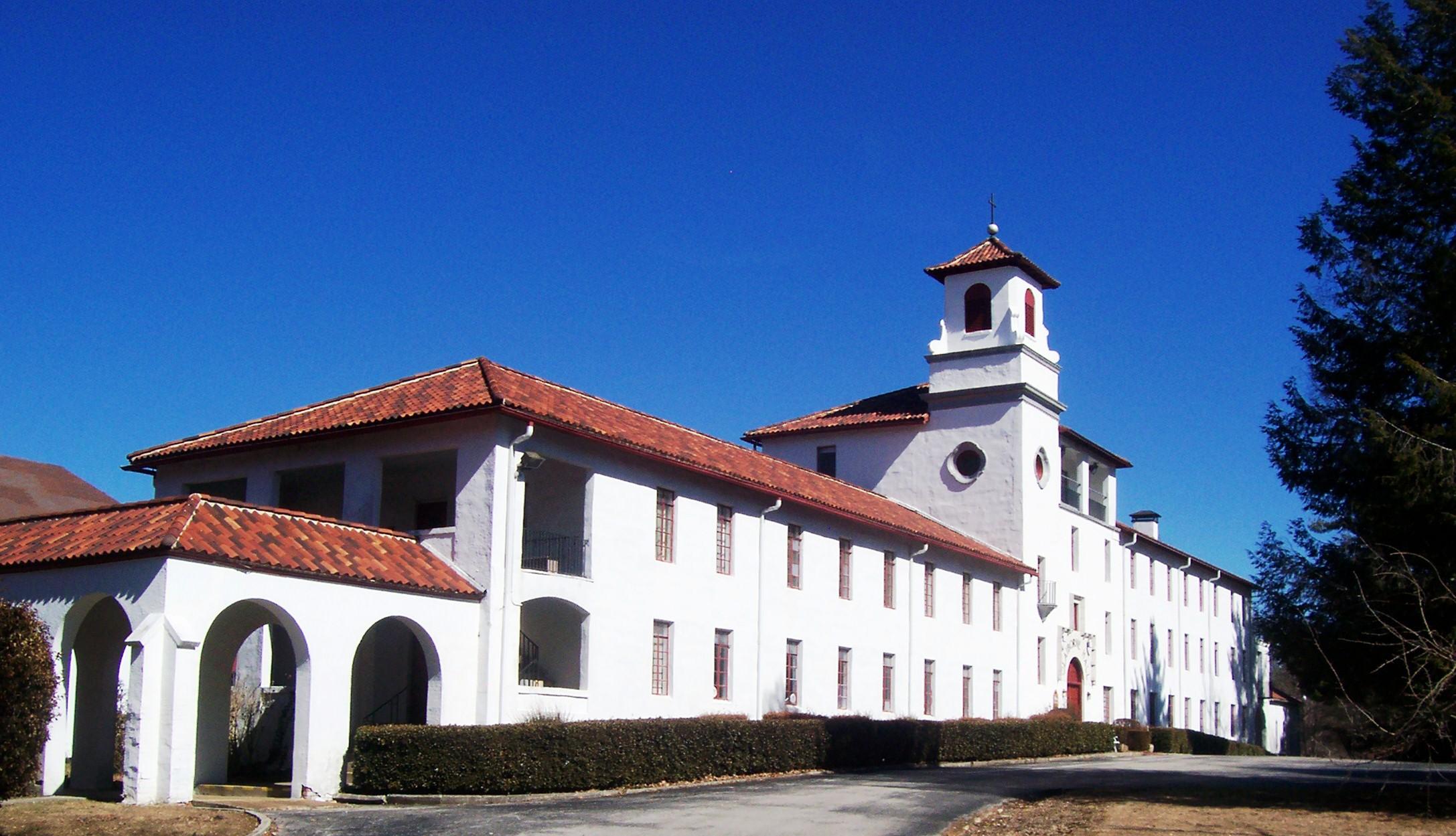 Claiborne Hall
