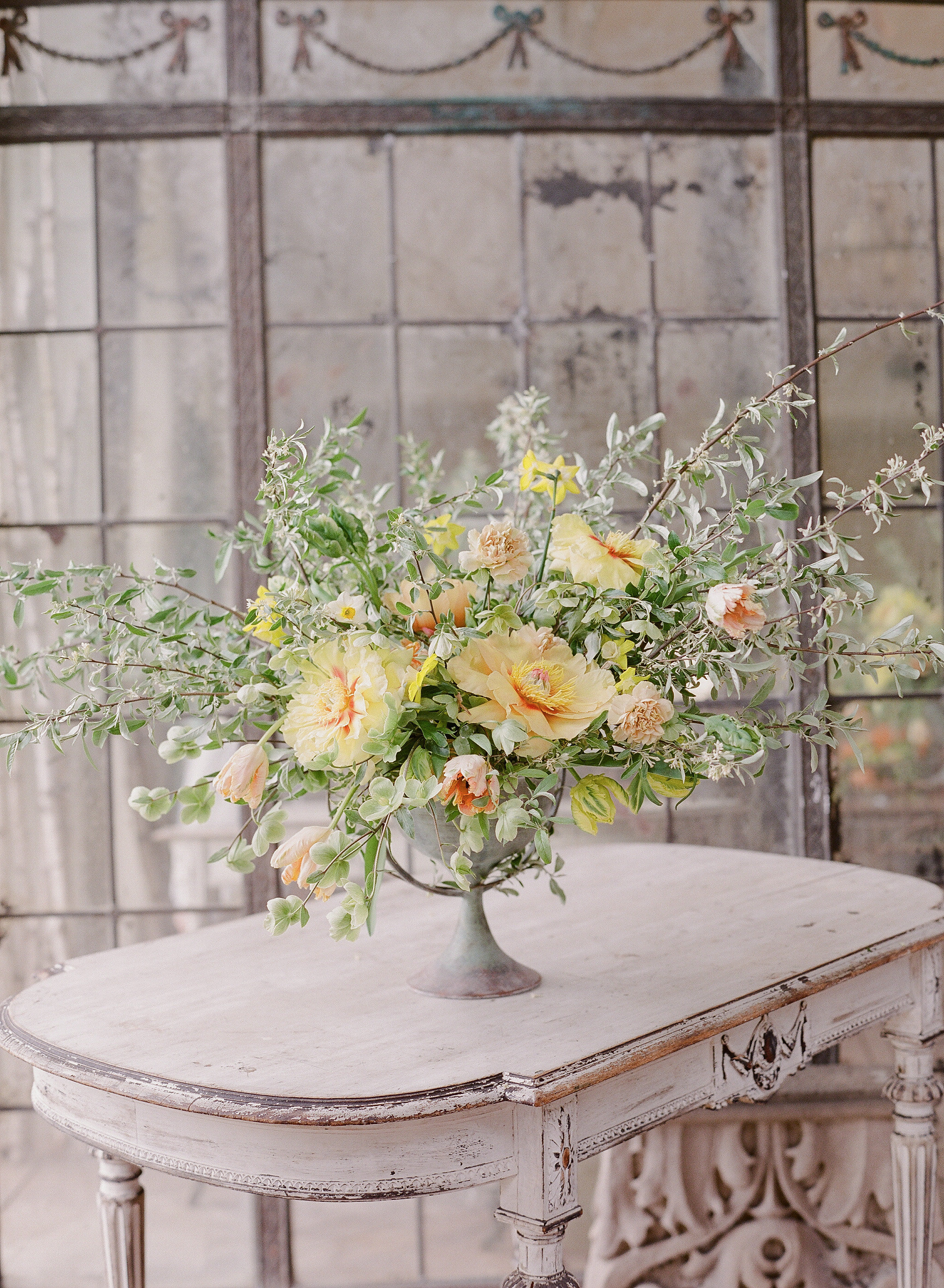 Subscriptions - Spruce up your space with a beautiful arrangement delivered to your home or business on a weekly or biweekly basis. With each new delivery, we will collect the vase from the week before.