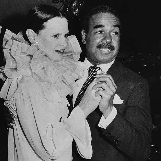 It was a joy to know #GloriaVanderbilt and I'm sorry she has departed. Sincere condolences to her family. She knew more songs than anyone I ever met, and I mean that! She stumped me on tunes several times without even trying. With you Gloria, the angels are gloriously singing. Pictured here with the great, #BobbyShort... two sophisticated, New York, society icons..