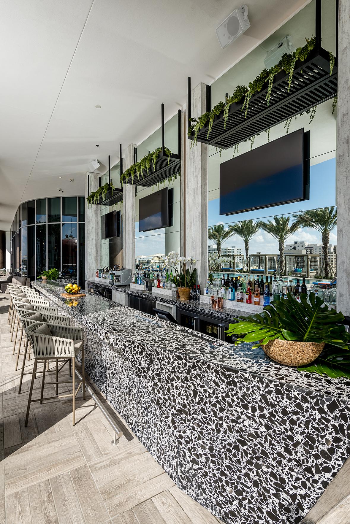 Terrazas Oceanfront Dining Cocktails