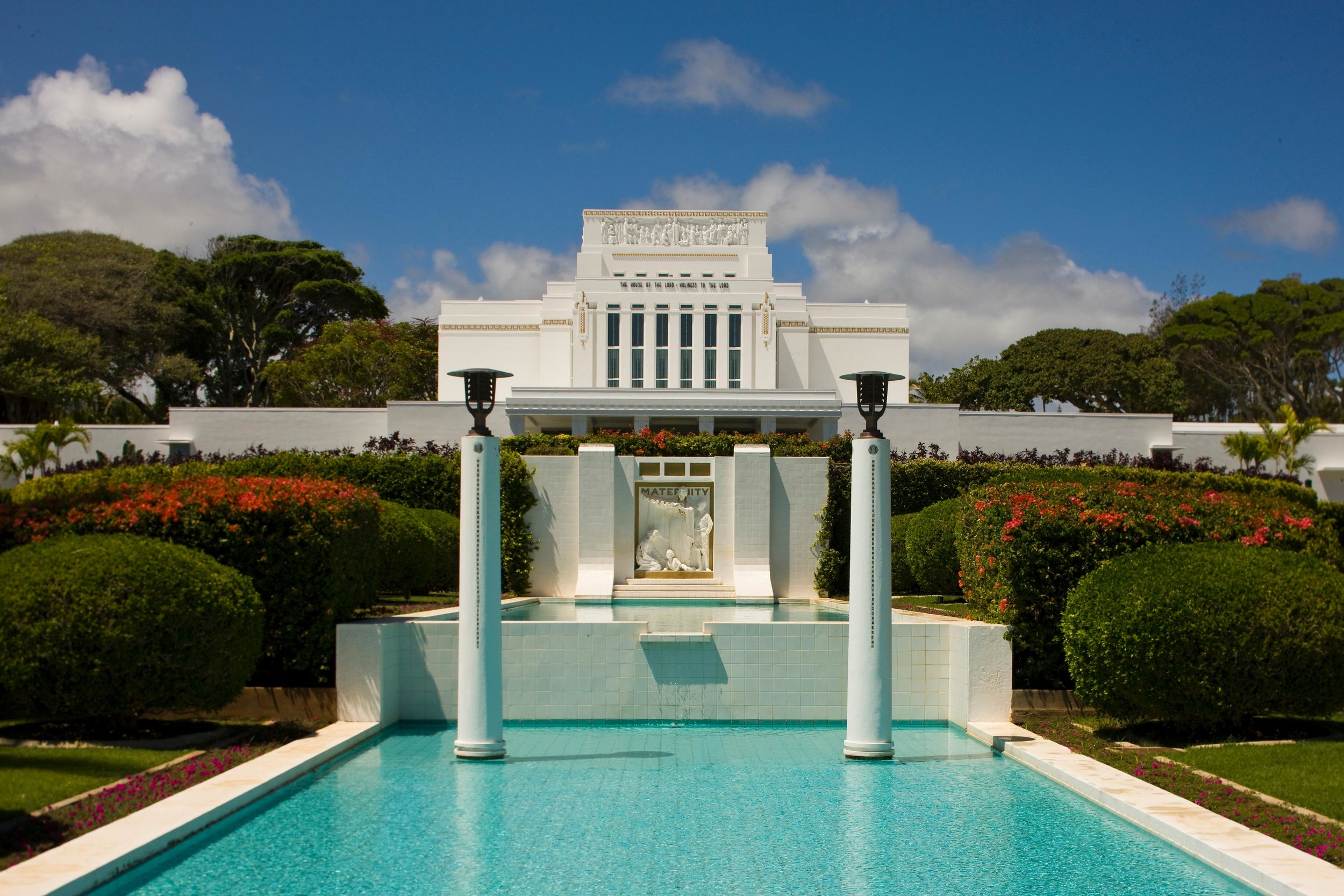 Laie-Hawaii-Temple-Front.jpg