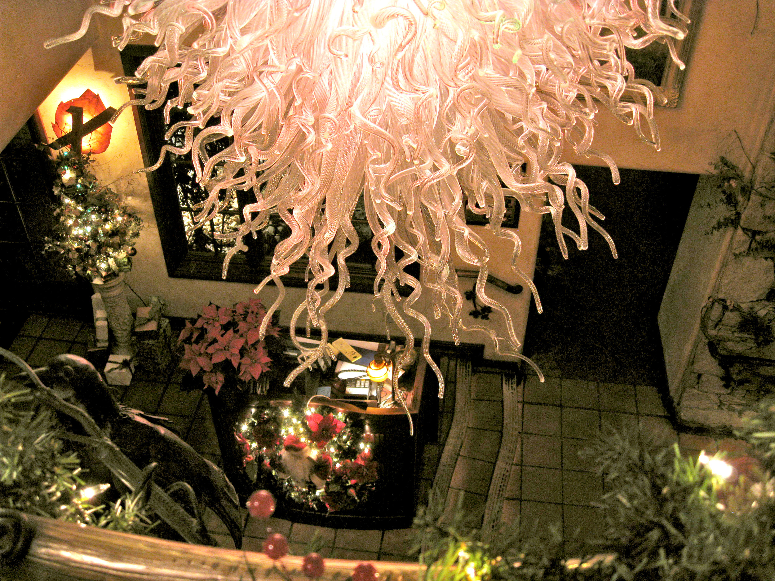 5 Holdman Studio Art and Hot Blown Glass Chandelier Gallery Tuscany Restaurant.jpg