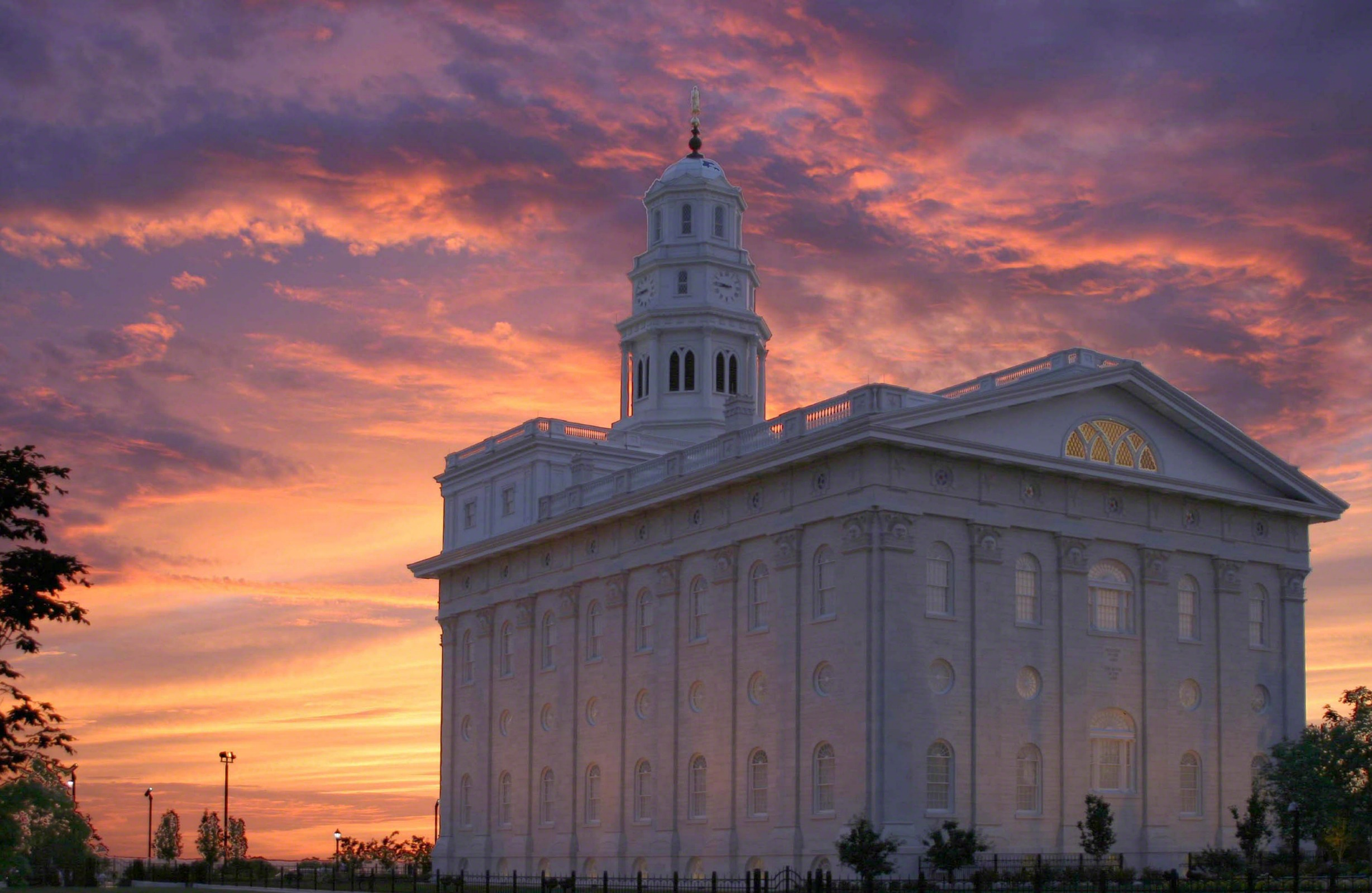 nauvoo-temple-756499-wallpaper.jpg