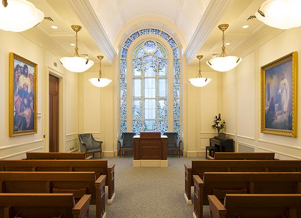350Paris-Chapel1-resized.jpg