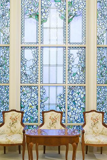 350-Paris-Temple-glass2017-resized.jpg