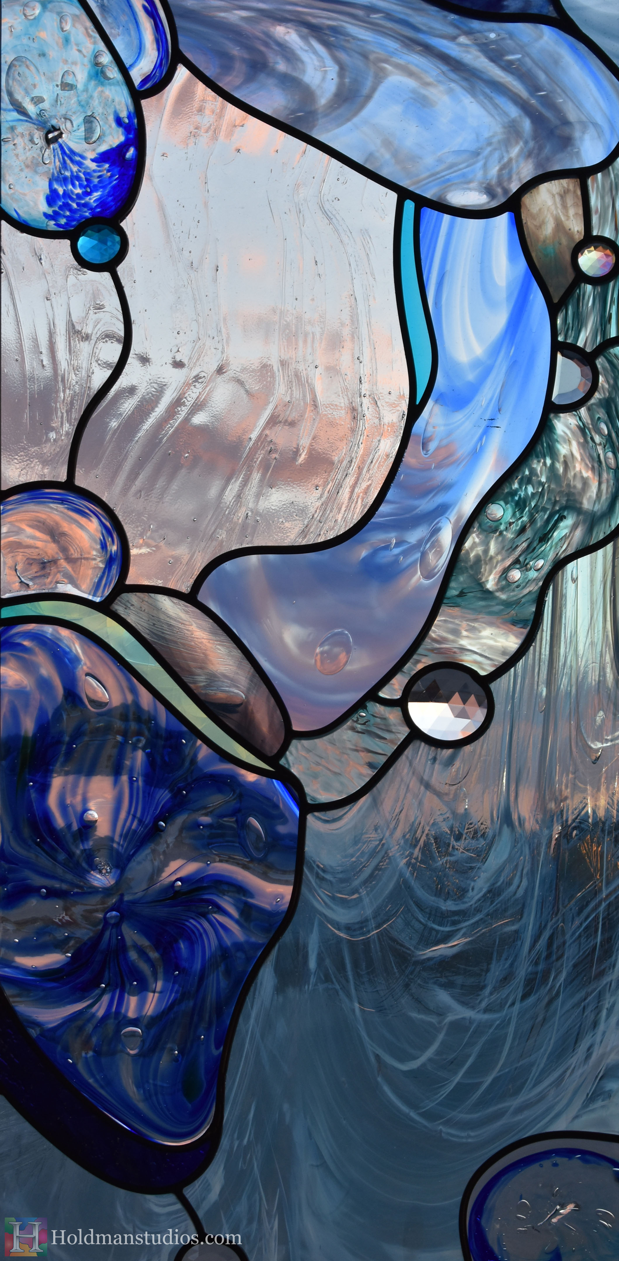 holdman-studios-hand-blown-stained-glass-window-springville-clyde-rec-center-slash-and-wave-cropped3.jpg