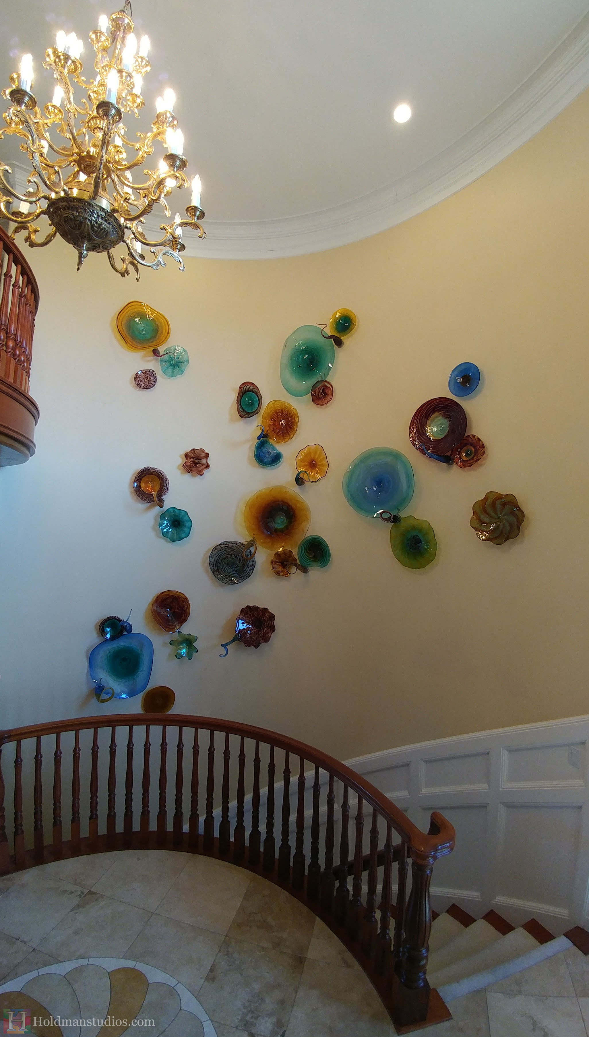 holdman-studios-hand-blown-glass-platters-bowls-tendrils-stair-wall-display-right-sideview.jpg