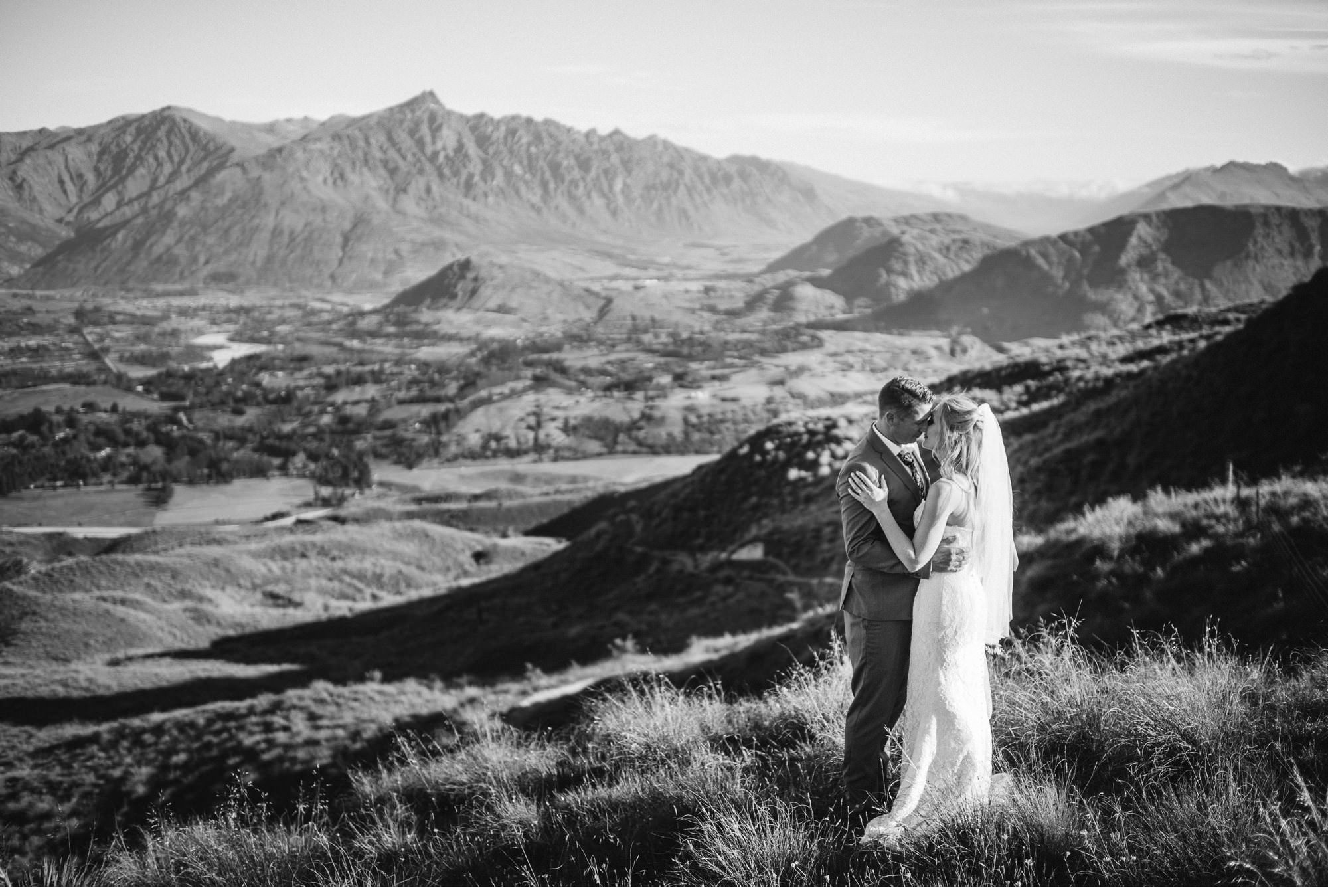Queenstown Heli Elopement Photographer-027.jpg
