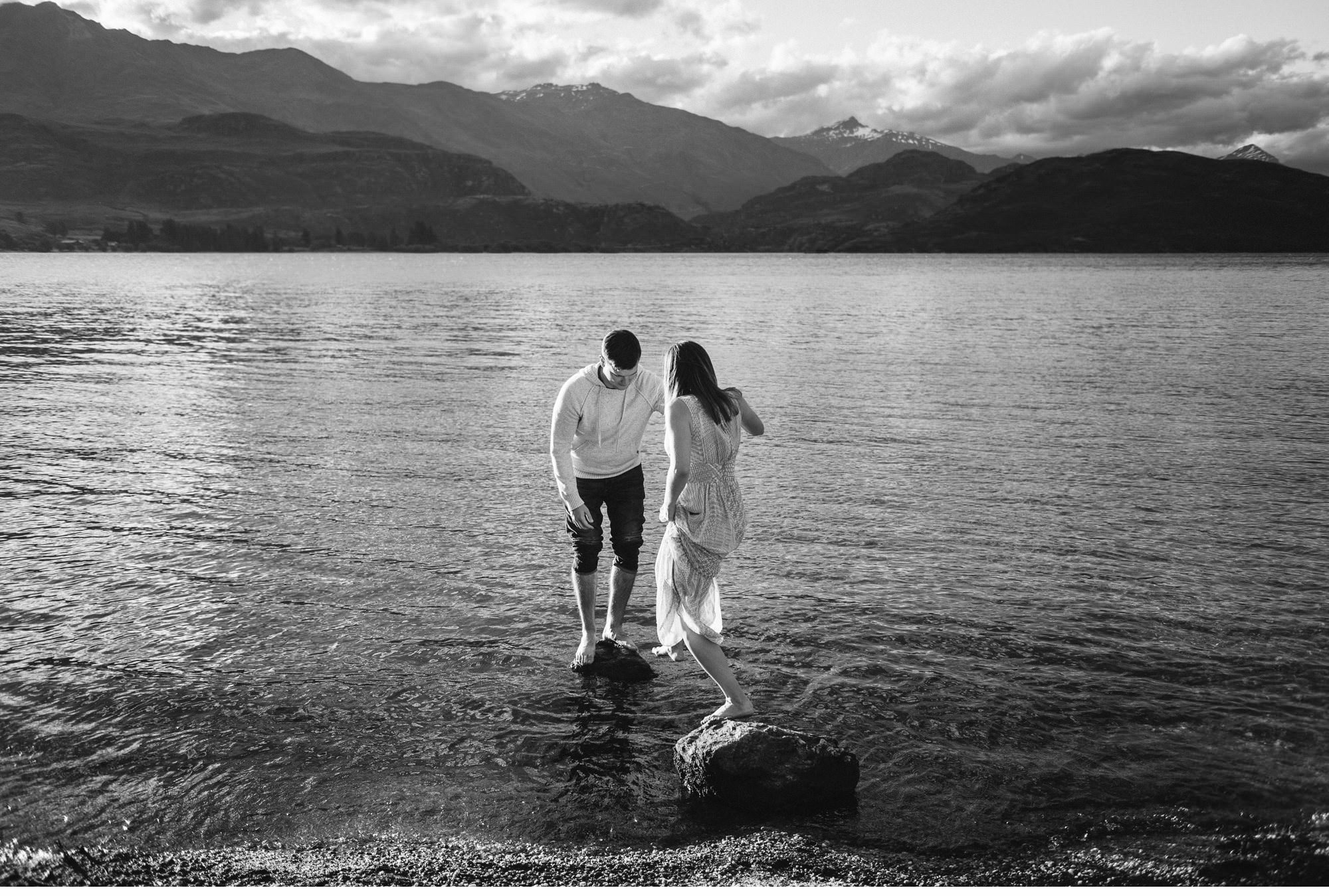 Lake Wanaka Engagement Photography-017.jpg