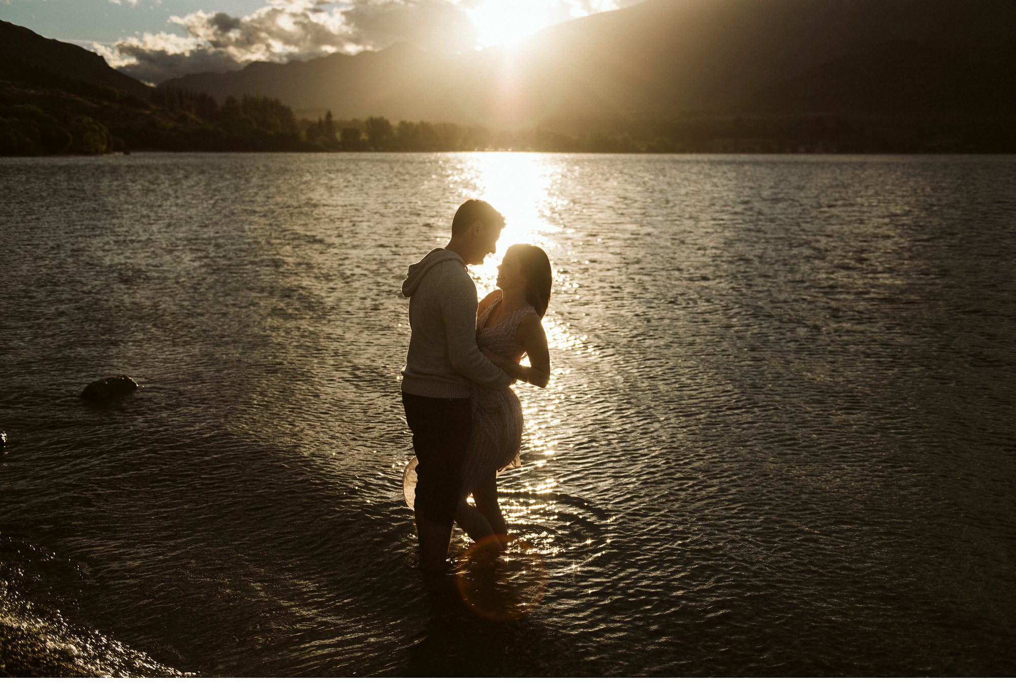 Lake Wanaka Engagement Photography-020.jpg