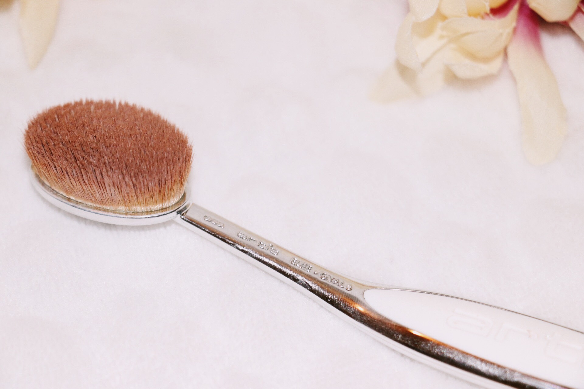 3) Artis Elite Mirror Oval 6 Brush  2 words: Worth it! (Another reason why my foundation goes on so smoothly, along with the E.L.F primer). I was unsure at first because of the price, but I am so glad I got it. On my old blog, I mentioned my beauty blender as one of the things being left behind in 2016 and it sure has! This brush is perfect for applying foundation + concealer. Personally, I think it is definitely worth the splurge. I got mine here.