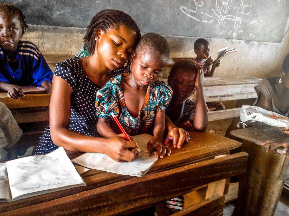 sumaya helping her student to write-3.jpg