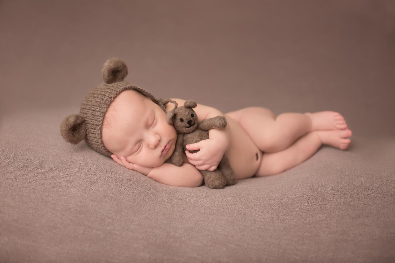 kansas city best newborn photographer