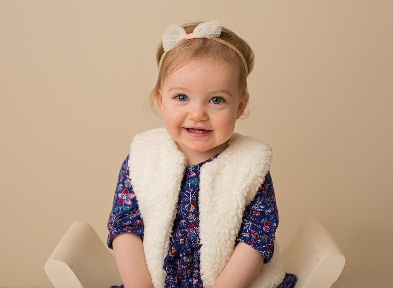 adorable baby photos - kansas city baby pictures - olathe kansas photographer - franklin county photo studio