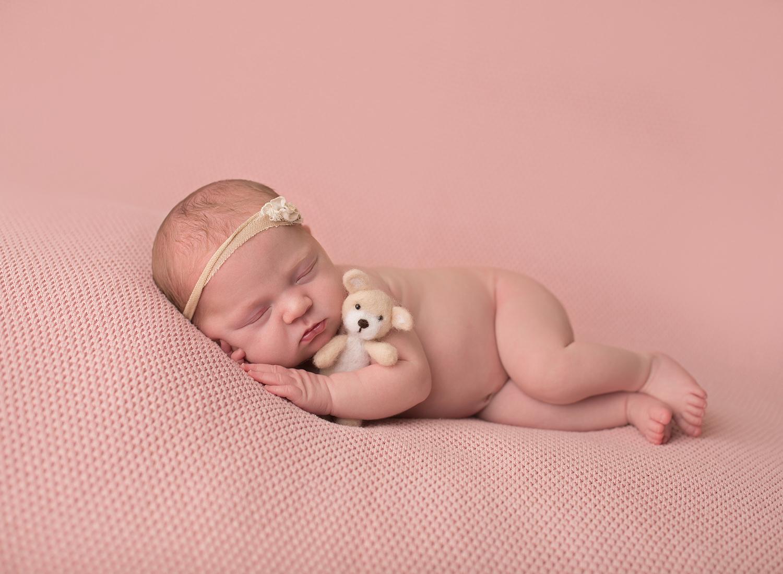newborn photographer kansas city