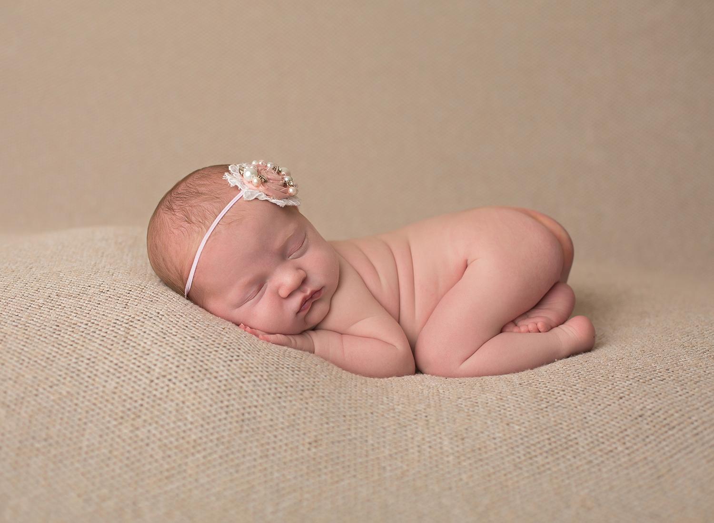 newborn photographer olathe kansas