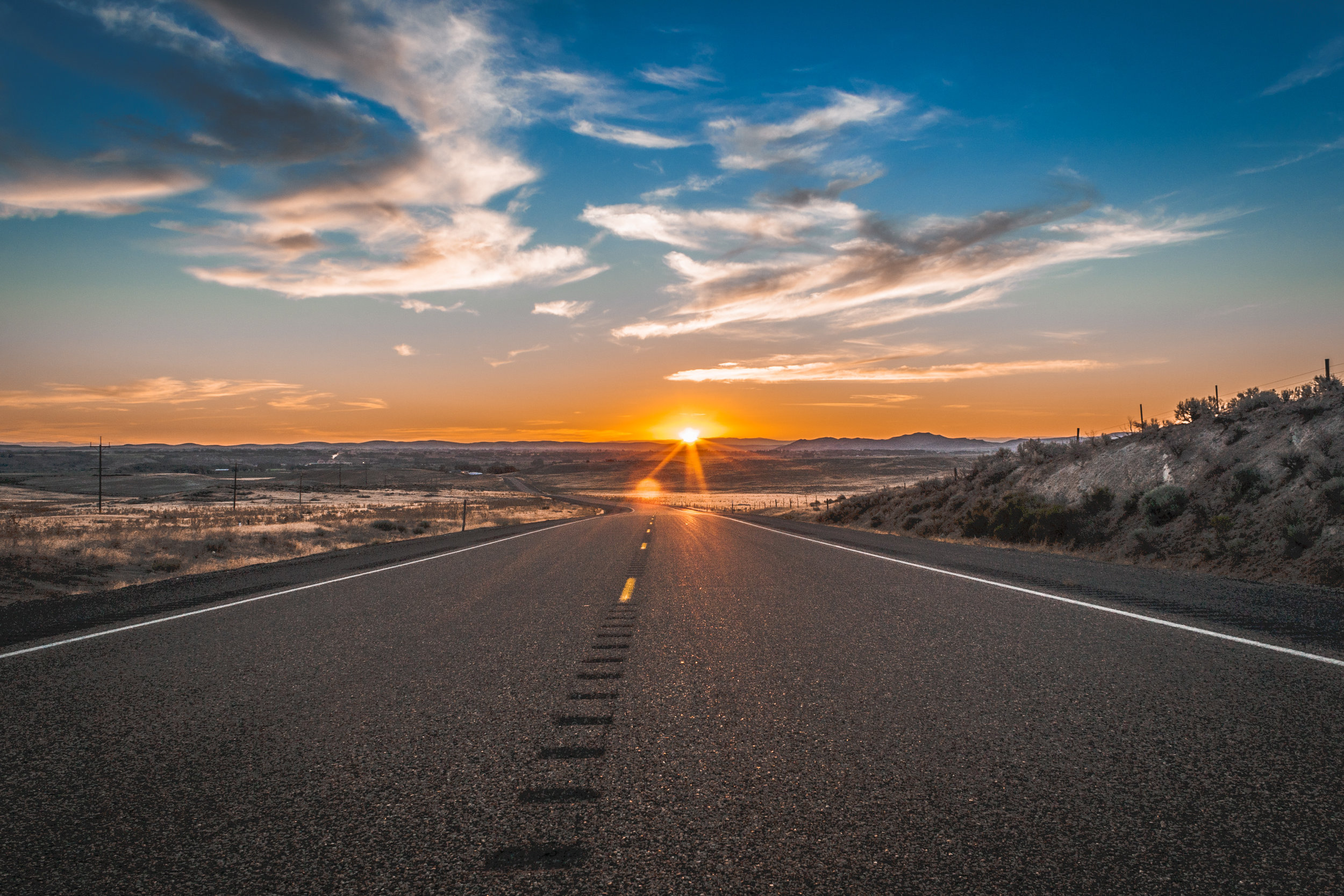 Sunset on the way to Bend.jpg