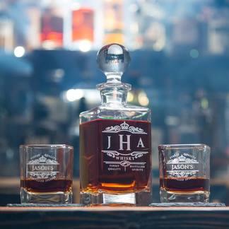 wa_matching_personalized_decanters_and_whiskey_glass_giftset__97103.1479337561.324.324.jpg