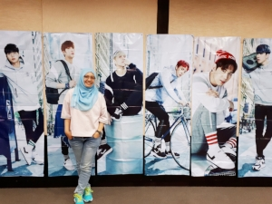 This is Kasih, a 23-year-old Starlight from Jambi, Indonesia, posing at the Starlight gathering in Jakarta :)