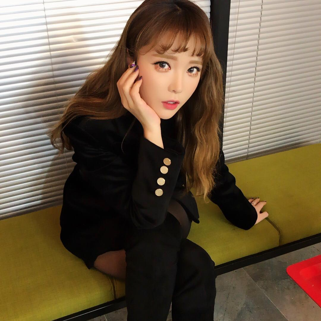 HONG JIN YOUNG - February 7