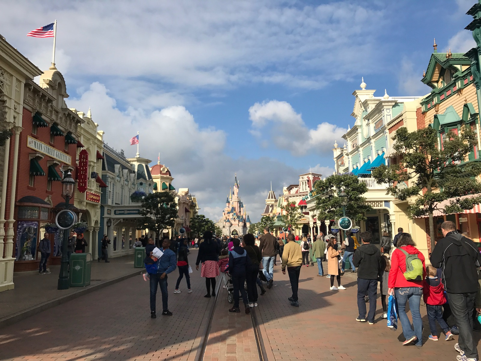 disneyland-paris-main-street-usa.jpg