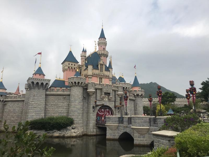 hong-kong-disneyland-castle-1.jpg