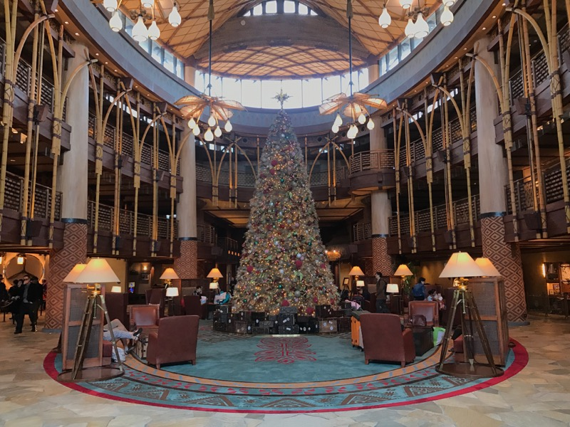 The lobby of Disney Explorers Lodge.