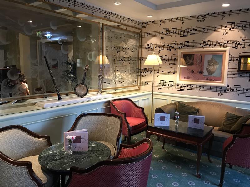 disneyland paris bars - cafe fantasia 3.jpg