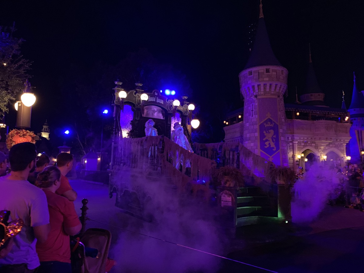 mickeys not so scary halloween party  parade haunted mansion.jpg