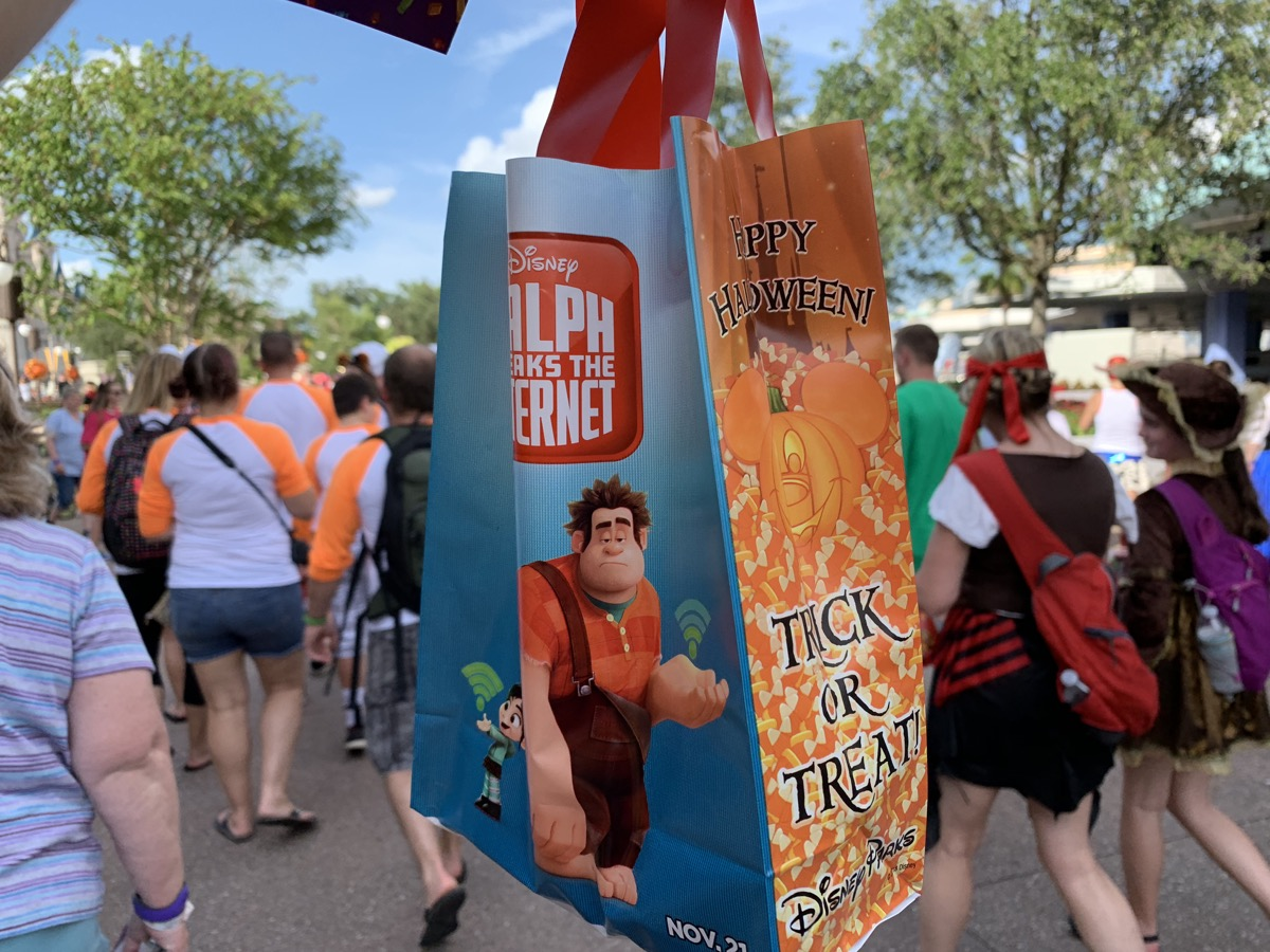 mickeys not so scary halloween party candy bag.jpg