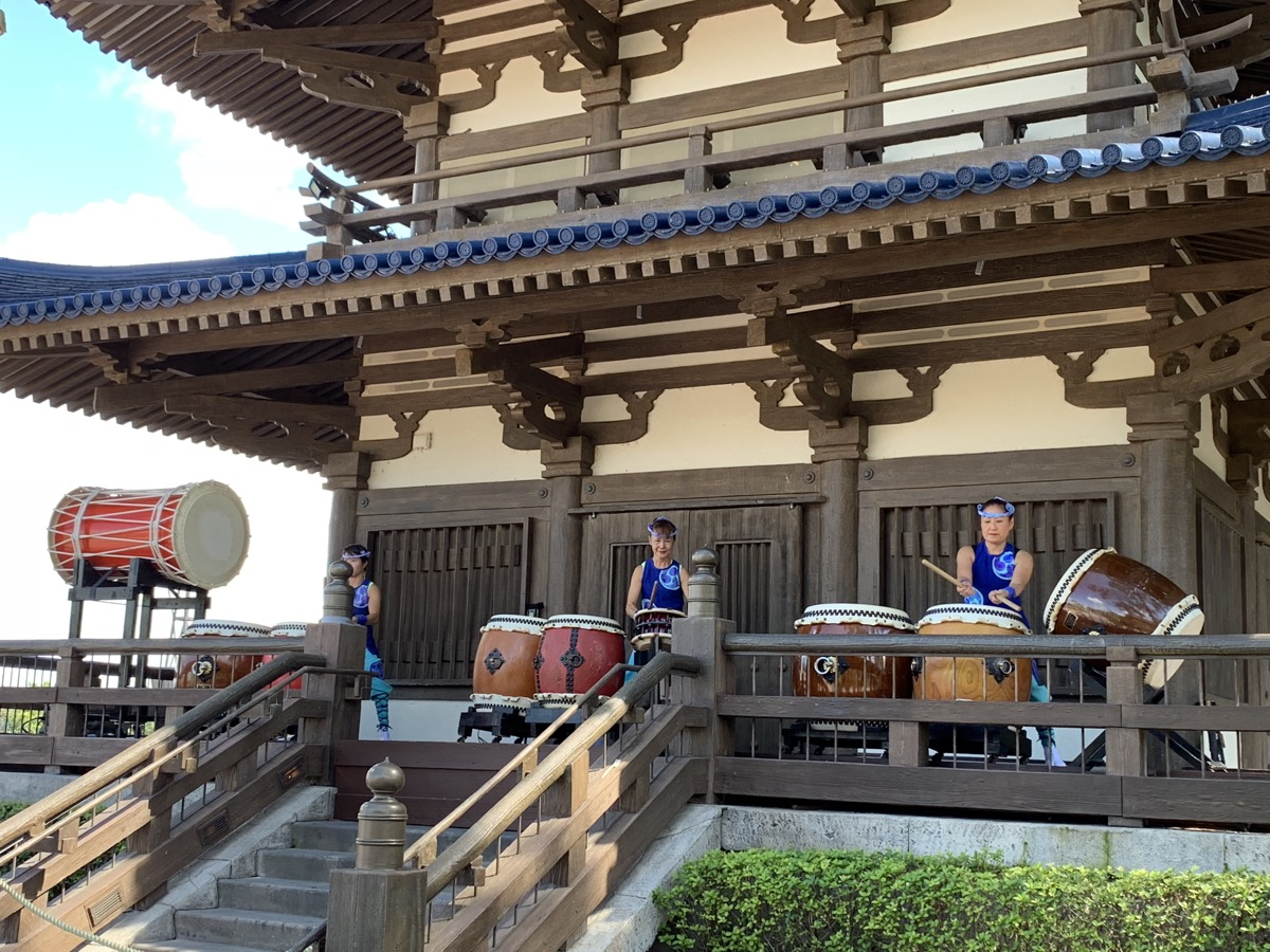 epcot one day itinerary japan drummers.jpg