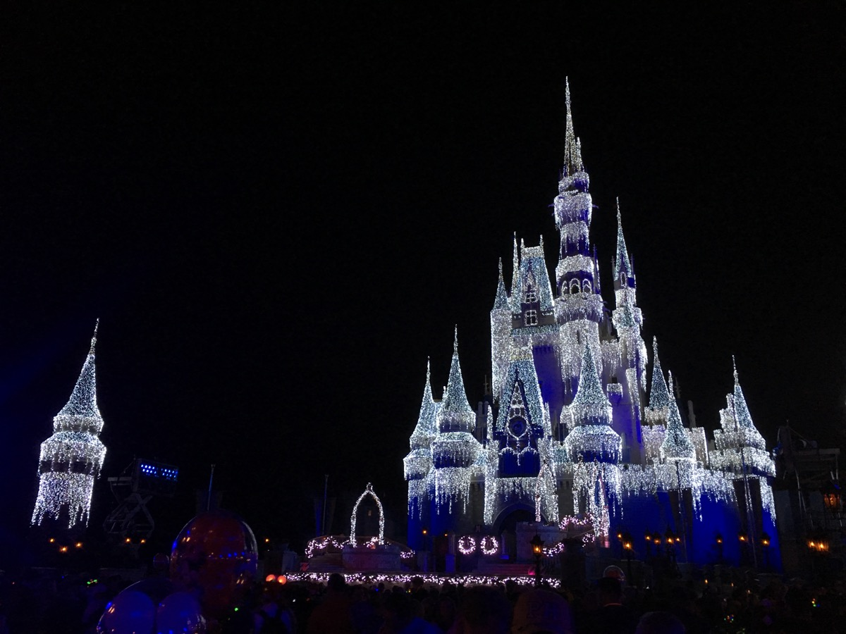 Mickeys Very Merry Christmas Party 2019 Dates.Mickey S Very Merry Christmas Party 2019 Guide Mouse Hacking