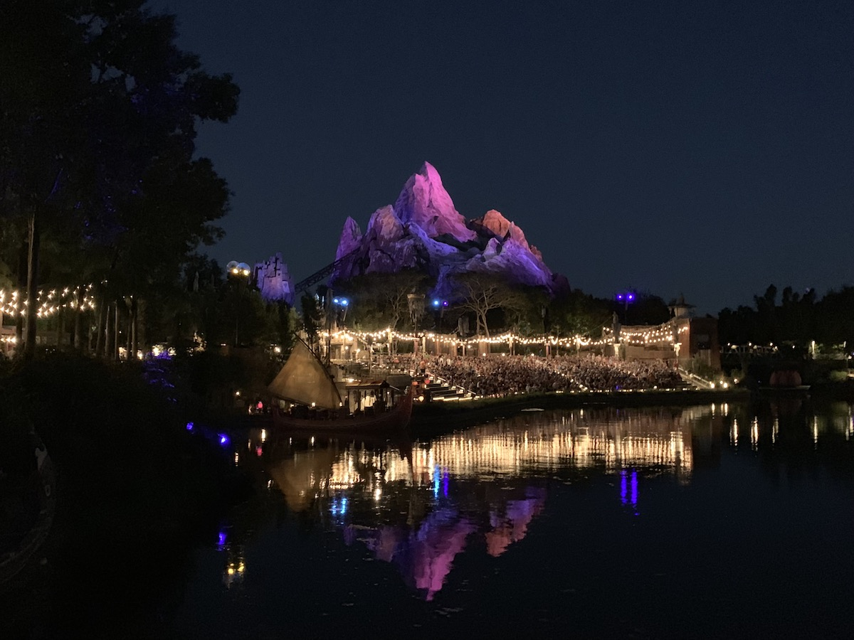 animal kingdom one day itinerary everest night.jpg