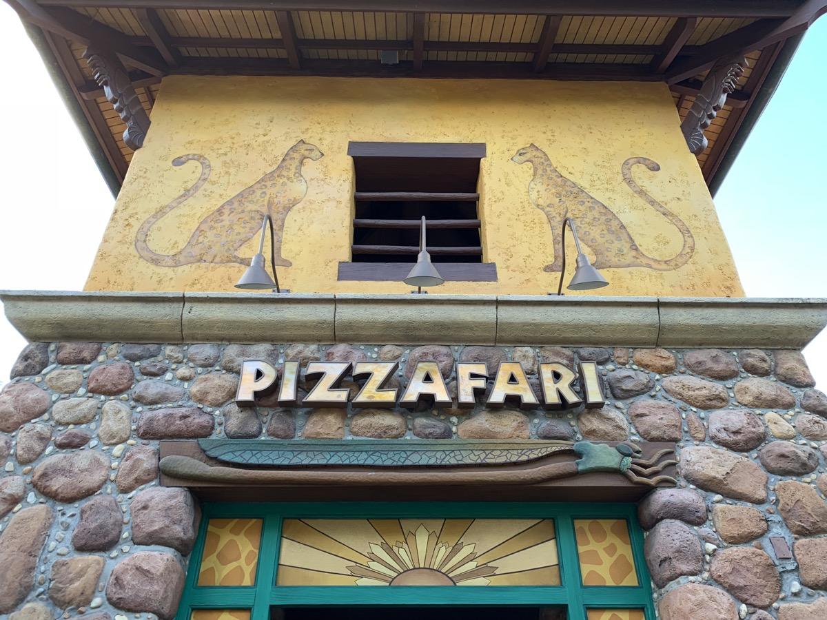 disney dining plan pizzafari.jpg