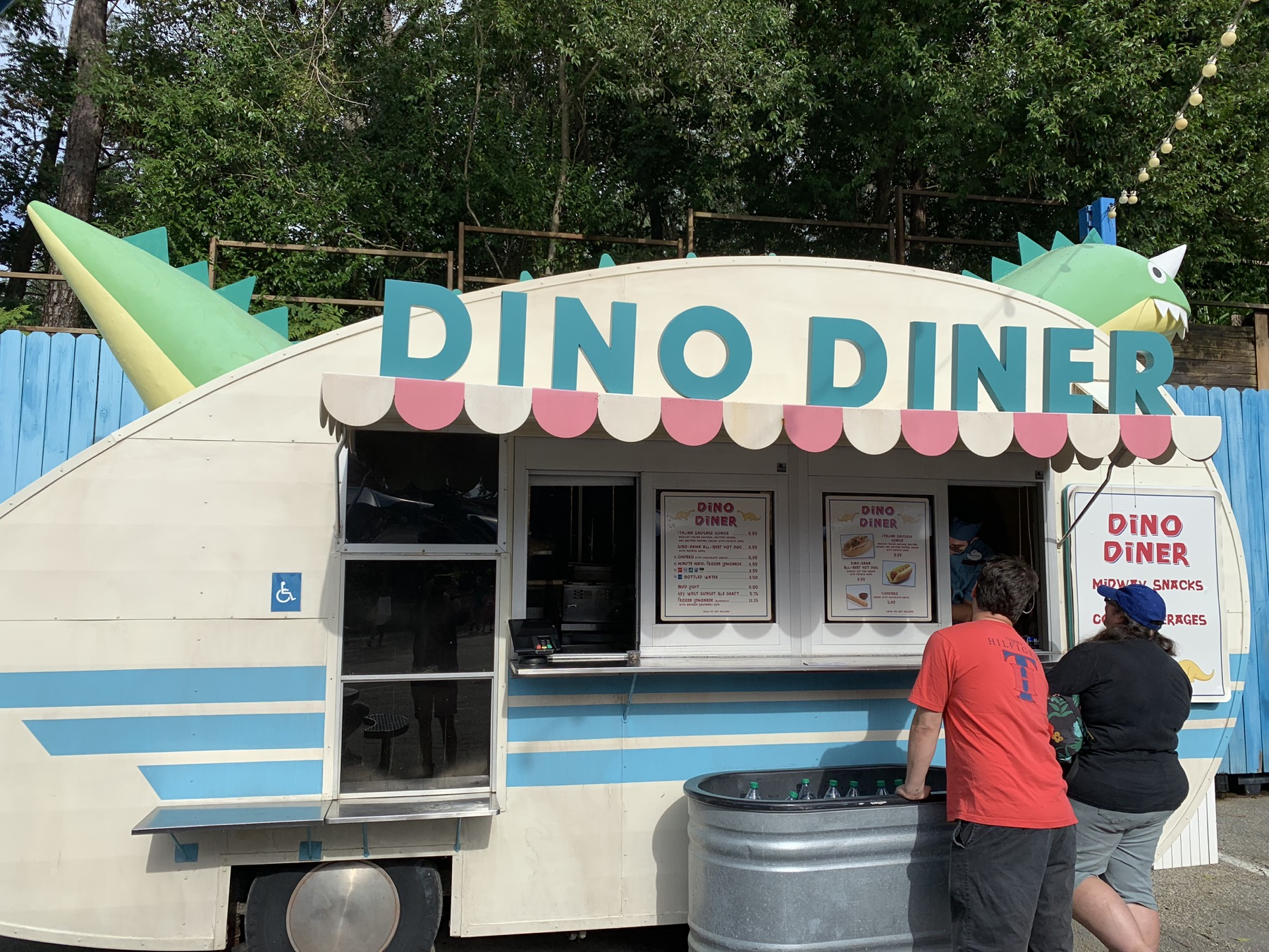 dino diner where to drink at animal kingdom.jpg
